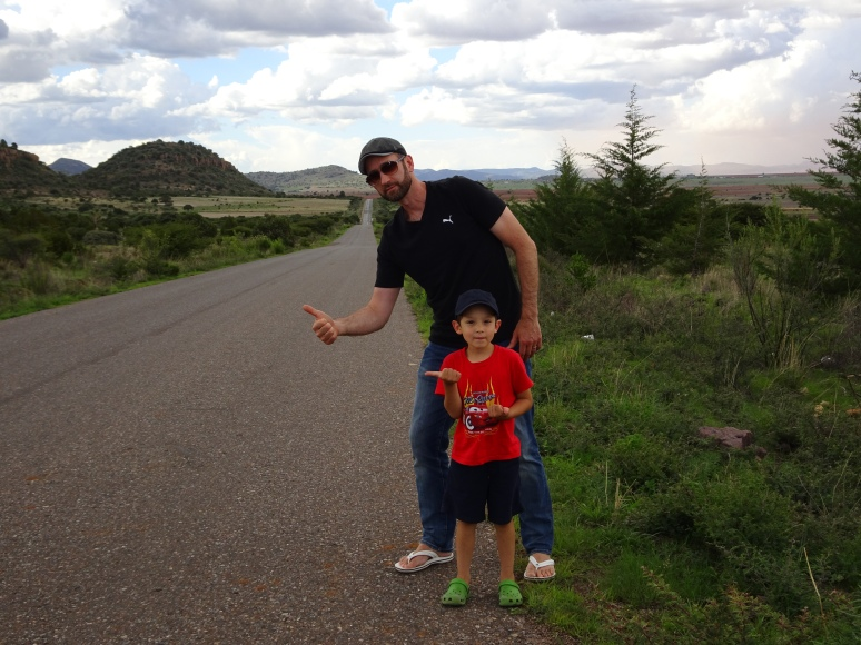 Hitchhiking in Zacatecas, Mexico, 2017. Photo by Cynthia Luz Manzo Guerrero.