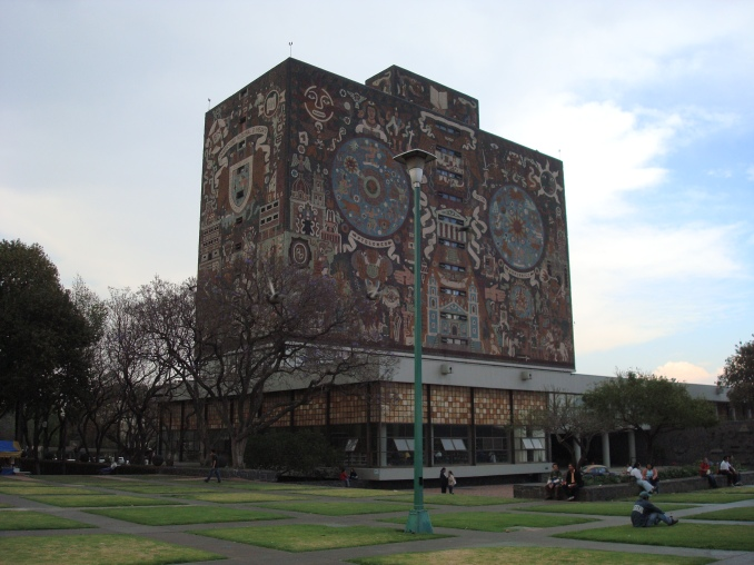 Biblioteca Central, UNAM, Mexico City, DF, Mexico, 2008. Photo by Jason Dyck.
