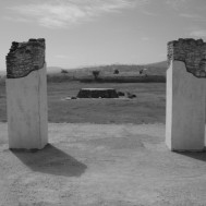 Adoratorio in Tula (through two columns) (20-11-03)