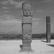 Atlante (circular) on top of Piramide B in Tula (20-11-03)